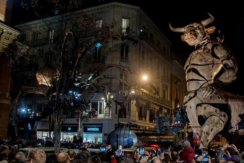théâtre de rue la machine